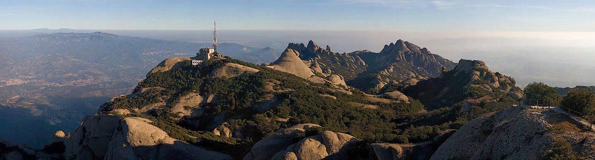 1200px-Montserrat_Mountains,_Catalonia,_Spain_-_Jan_2007