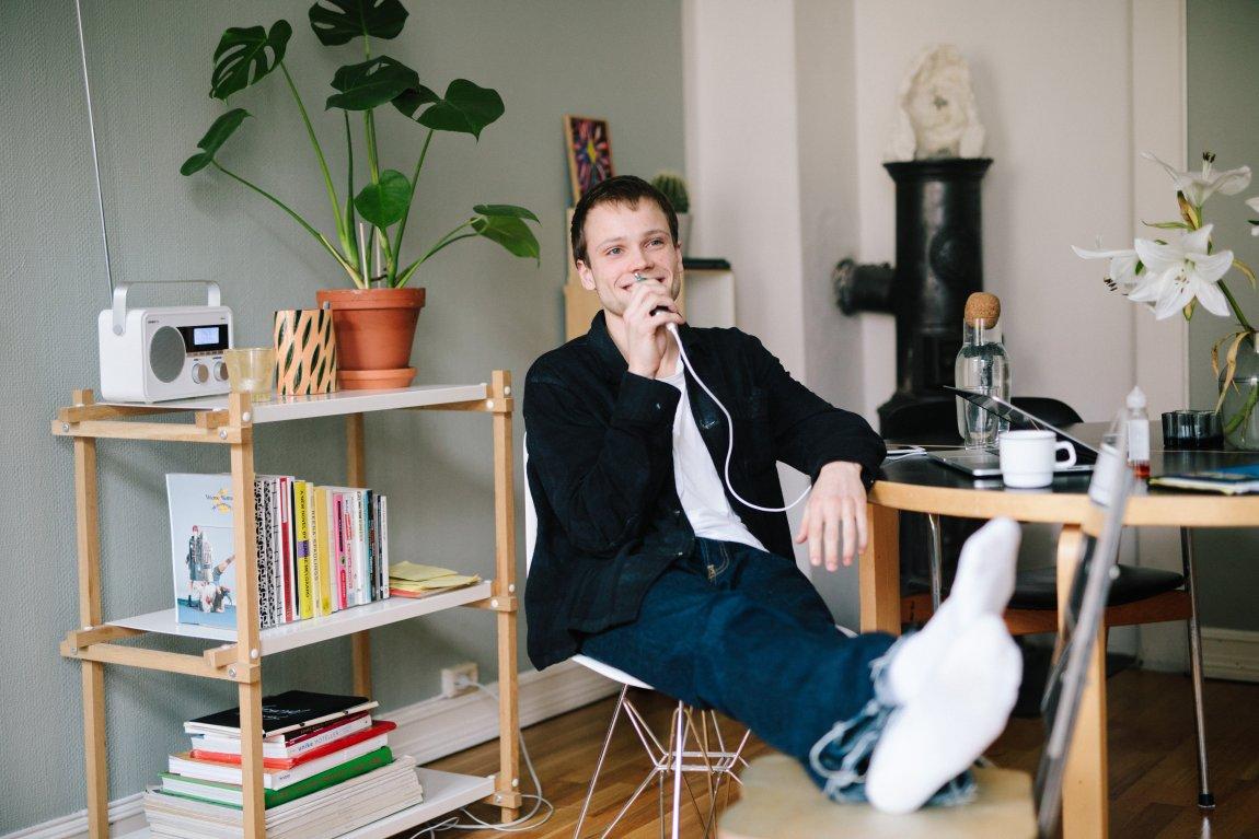 Intervju: Eks-student Matias Kiil (23) stiller ut med Norges fremste samtidskunstnere